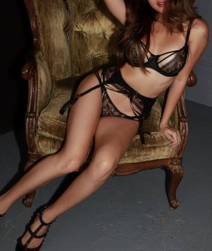 Esme escort girls in Banning