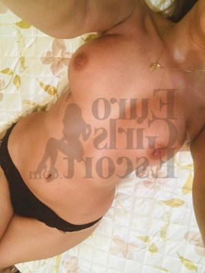 Yviane escort girl in Gateway